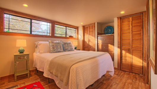 Granite Lake Tumbleweed Vacation Rental Bedroom